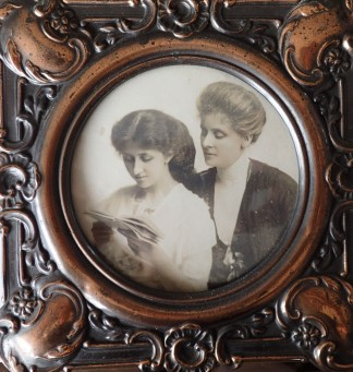Linda Koch with her mother Ethel (nee Beale)